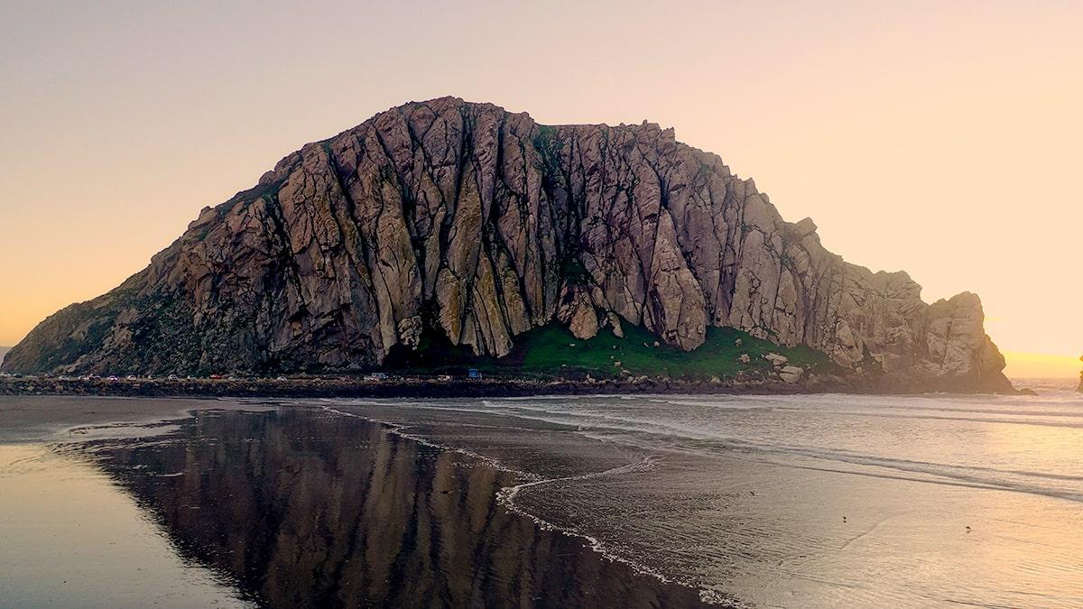 Morro Rock, a natural cycling destination